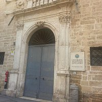 Portale d'ingresso su Via Duomo