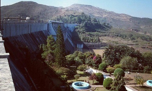 View of the garden, from the dam.
