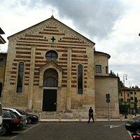 Chiesa di Santo Stefano a Verona, facciata