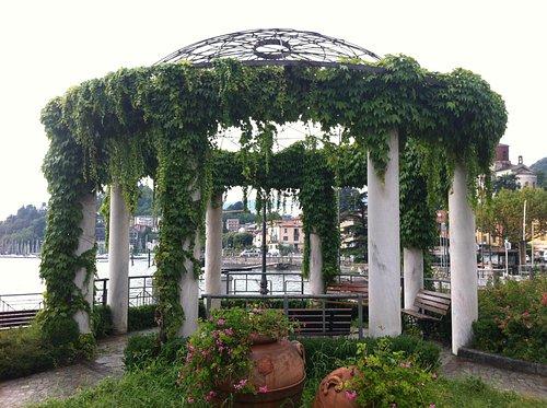 Laveno-Mombello, belvedere sul porto