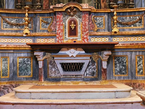 Alba, San Giuseppe altar