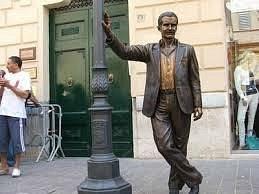 statua del commissario Montalbano