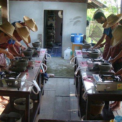 Learn to cook Thai at Da's Organic Farm Hut Thai Cooking School