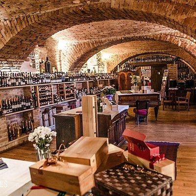 Bornstein Wine Shop