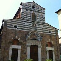 La Chiesa in Piazza San Giusto a Lucca