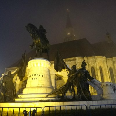 The statue at night