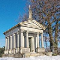 Sanford Family Vault, Hamilton Cemetery