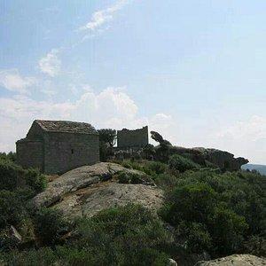 Luogosanto - castello di Balaiana e chiesa di San Leonardo