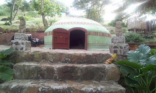 The peaceful setting of the Temazcal.