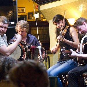 Live Traditional Irish Music everyday