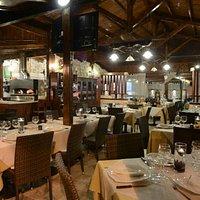 Interno - ristorante;pizzeria (Pineta)