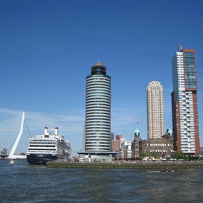 Wilhelminapier with a cruise ship