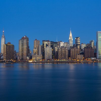 View of Midtown Manhattan from Hunter's Point State Park