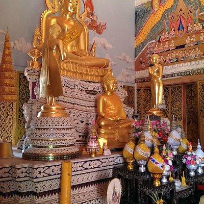 im neuen Tempel