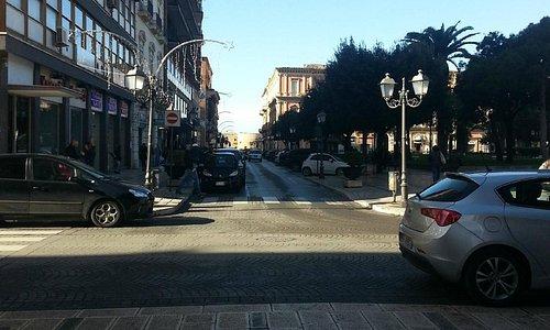 Via D'Aquino fra Corso Due Mari e Piazza Garibaldi