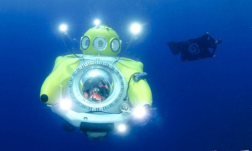 sub with diver