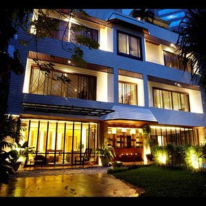 private sanctuary in the greenest heart of bangkok
