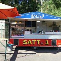 Ca. 10 Lkw - Plätze, wochentags von 07.15 bis 17.00 Uhr, bel. Brötchen, leckere Pommes, Currywur