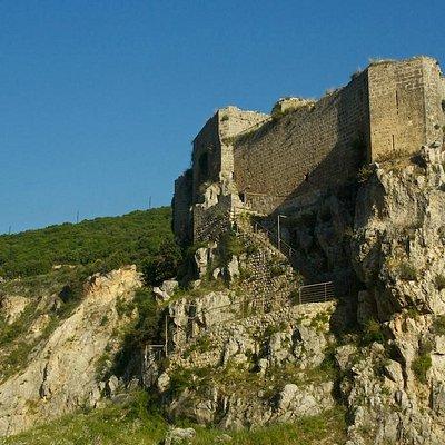 Moussayliha Fort: cut-rock stairs