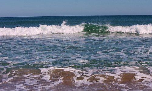 Onshore breezes make nice waves