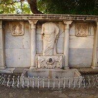 bembo fountain Κρηνη Μπεμπο