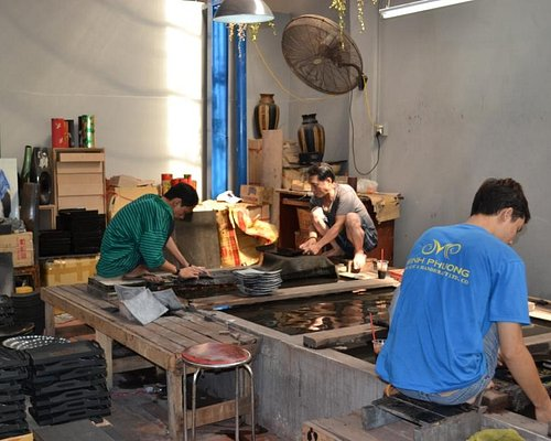 Polishing lacquer ware