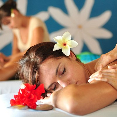 Relaxing Massage at Holistic Spa Marara