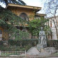 Музей и памятник Леси Украинки