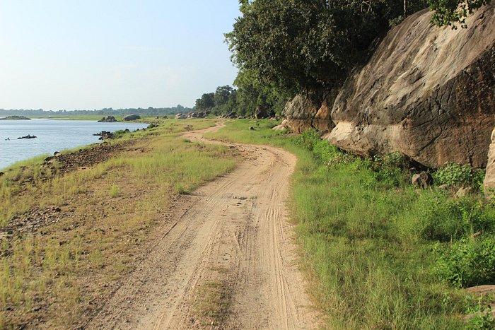 Maduru Oya Lake
