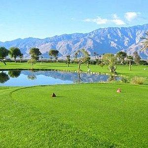 Beautifully Manicured 9-Hole Golf Course