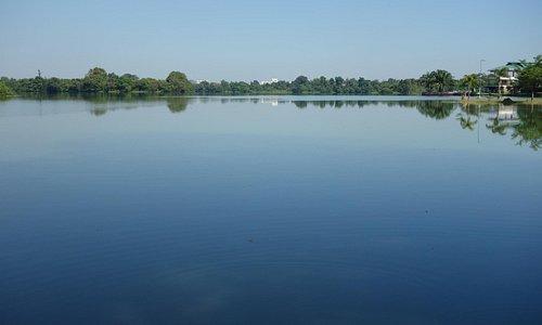ヤンゴン最大の湖