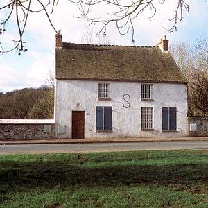 La Maison atelier Foujita vue depuis la rue, photo d'Yves Morelle, Conseil général de l'Essonne
