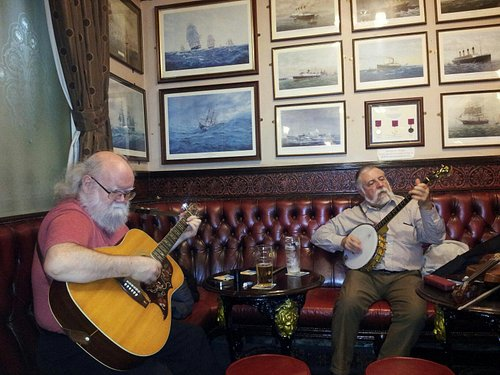 Great pub with folk music on a wed afternoon