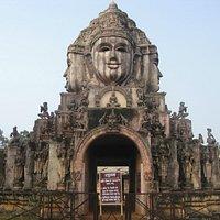 お寺の門。