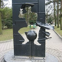 памятник барону