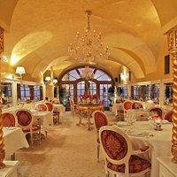 Aquarius Restaurant Dinning Room