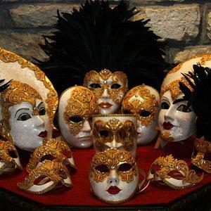 Production of venetian masks