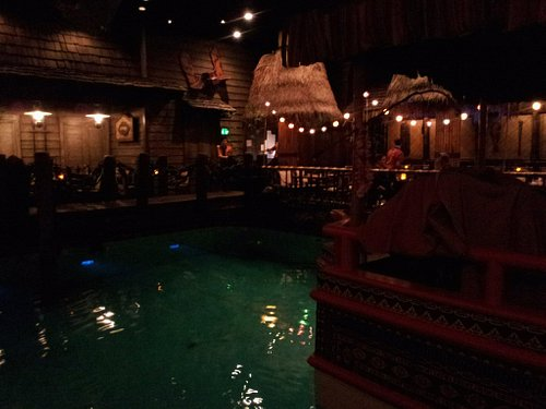 Tonga Room - There's a boat in there!!!