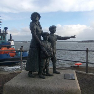 Statue of Annie Moore at Cobh