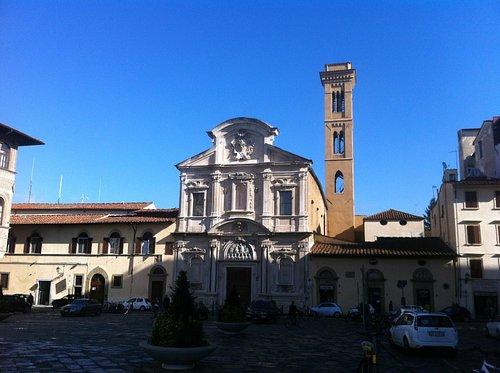 Piazza Ognissanti , la Chiesa