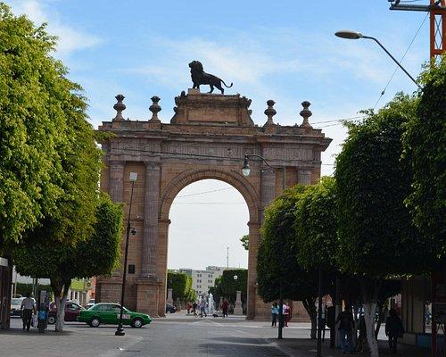 El Arco visto desde la calle.