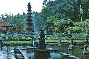 Water Palace Tirta Gangga - Bali private Driver in Kuta