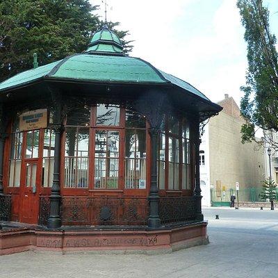 Spät, aber immerhin geöffnet (Plaza de Armas)