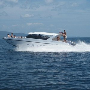 Dive & Relax Speed Boat