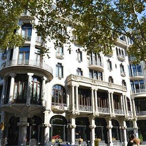 Primer atractivo modernnista: La Casa Fuster, hoy hotel de lujo