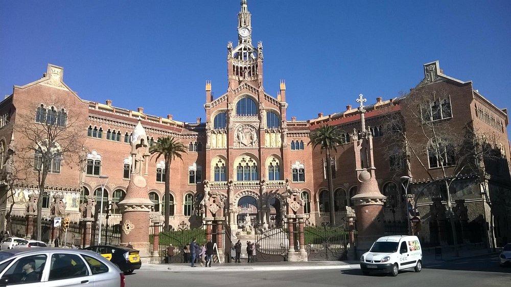 Hospital de Sant Pau-Barcelona driver service www.avantgardelimousinebarcelona.com