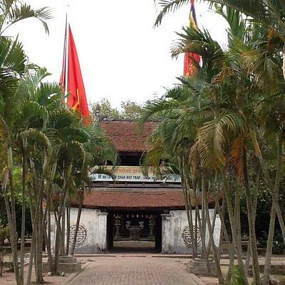 Fachada da Pagoda But Thap