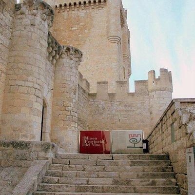 Castillo y Museo del Vino.