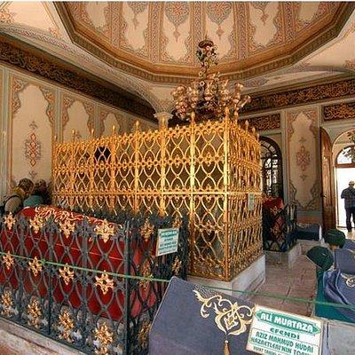Aziz Mahmit H. Monumental Tomb