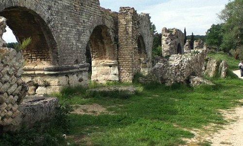 AQUEDUC ROMAIN DE BARBEGAL